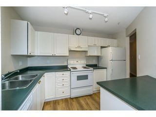 """Photo 4: 424 2551 PARKVIEW Lane in Port Coquitlam: Central Pt Coquitlam Condo for sale in """"THE CRESCENT"""" : MLS®# R2228836"""
