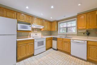 "Photo 9: 111 1150 54A Street in Delta: Tsawwassen Central Condo for sale in ""THE LEXINGTON"" (Tsawwassen)  : MLS®# R2375130"