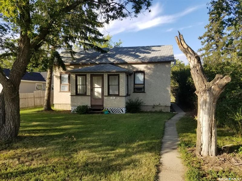 FEATURED LISTING: 281 1st Avenue West Unity