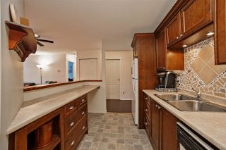 """Photo 4: 210 33165 OLD YALE Road in Abbotsford: Central Abbotsford Condo for sale in """"SOMMERSET RIDGE1"""" : MLS®# R2161637"""