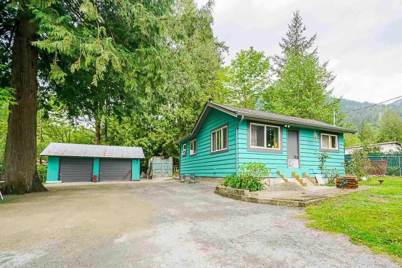 Main Photo: 10353 N DEROCHE Road in Mission: Dewdney Deroche House for sale : MLS®# R2586339
