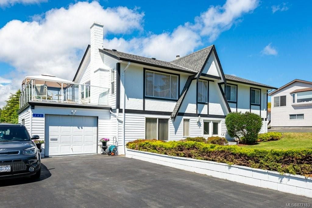 Main Photo: 243 Beach Dr in : CV Comox (Town of) House for sale (Comox Valley)  : MLS®# 877183