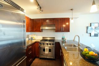 """Photo 9: 690 W 6TH Avenue in Vancouver: Fairview VW Townhouse for sale in """"Fairview"""" (Vancouver West)  : MLS®# R2552452"""