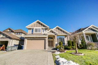 Photo 1: 7022 151A Street in Surrey: East Newton House for sale : MLS®# R2346977