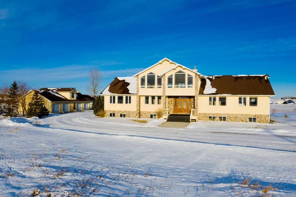 Main Photo: 15300 104 Street SE in Calgary: C-385 Detached for sale : MLS®# A1071341