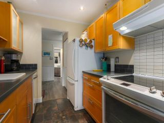 """Photo 7: 103 222 N TEMPLETON Drive in Vancouver: Hastings Condo for sale in """"CAMBRIDGE COURT"""" (Vancouver East)  : MLS®# R2383049"""
