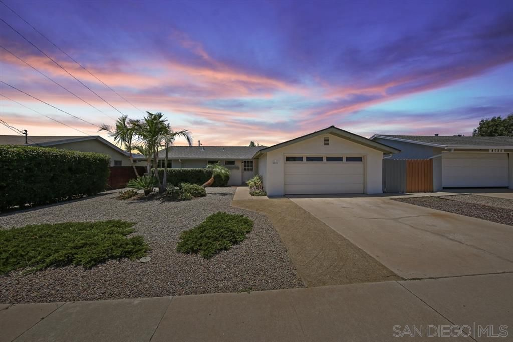 Main Photo: CLAIREMONT House for sale : 5 bedrooms : 4074 Mount Abraham Ave