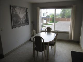 Photo 5: 81 DOVER Mews SE in CALGARY: West Dover Townhouse for sale (Calgary)  : MLS®# C3571218