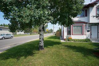 Photo 2: Affordable half duplex in Calgary, Alberta