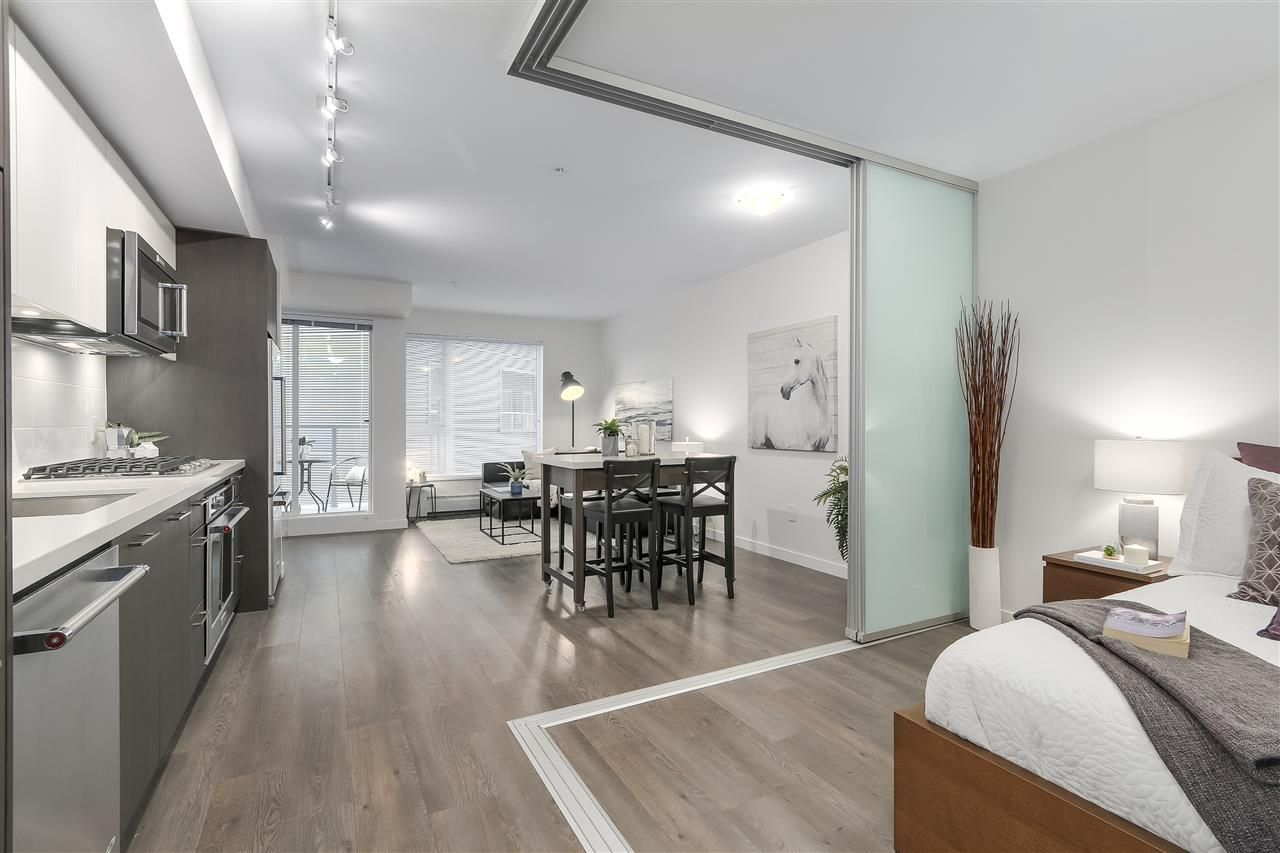 """Photo 9: Photos: 521 384 E 1ST Avenue in Vancouver: Mount Pleasant VE Condo for sale in """"CANVAS"""" (Vancouver East)  : MLS®# R2230543"""