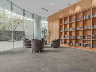 """Photo 19: 1805 1288 ALBERNI Street in Vancouver: West End VW Condo for sale in """"THE PALISADES"""" (Vancouver West)  : MLS®# R2106505"""