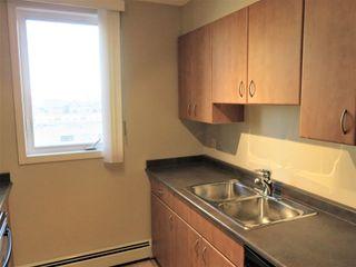 Photo 10: 702 10303 105 Street in Edmonton: Zone 12 Condo for sale : MLS®# E4236167