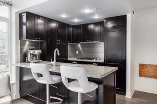 """Photo 5: 1302 1133 HOMER Street in Vancouver: Yaletown Condo for sale in """"H&H"""" (Vancouver West)  : MLS®# R2618125"""