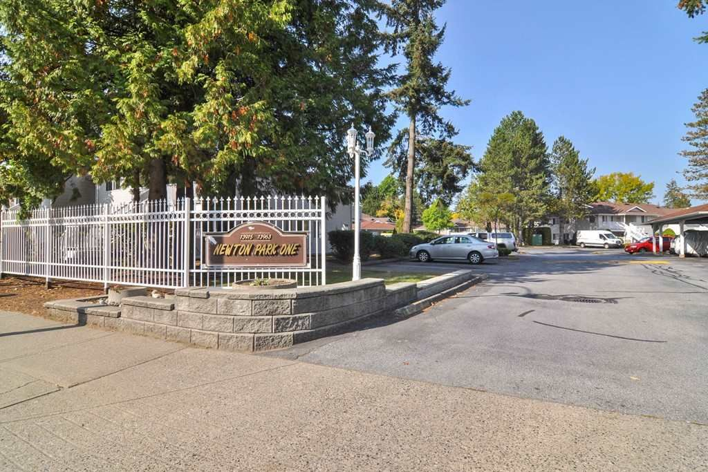 Main Photo: 613 13923 72 AVENUE in Surrey: East Newton Townhouse for sale : MLS®# R2499550
