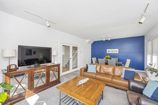 Photo 9: 221 St. Lawrence St in : Vi James Bay House for sale (Victoria)  : MLS®# 879081