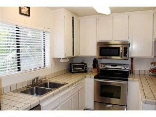 Photo 7: PACIFIC BEACH Townhouse for sale : 3 bedrooms : 4257 Gresham Street in San Diego
