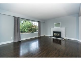 Photo 9: 20250 48 AVENUE in Langley: Langley City Home for sale ()  : MLS®# R2305434