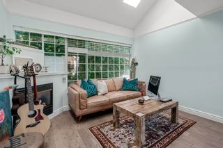 """Photo 2: 401 1525 PENDRELL Street in Vancouver: West End VW Condo for sale in """"Charlotte Gardens"""" (Vancouver West)  : MLS®# R2617074"""