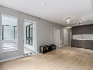 """Photo 4: 129 9333 TOMICKI Avenue in Richmond: West Cambie Condo for sale in """"OMEGA"""" : MLS®# R2075088"""