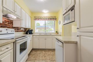 """Photo 8: 68 5850 177B Street in Surrey: Cloverdale BC Townhouse for sale in """"DOGWOOD GARDEN"""" (Cloverdale)  : MLS®# R2584104"""