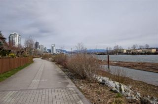"""Photo 15: 311 250 SALTER Street in New Westminster: Queensborough Condo for sale in """"PADDLERS LANDING"""" : MLS®# R2445205"""