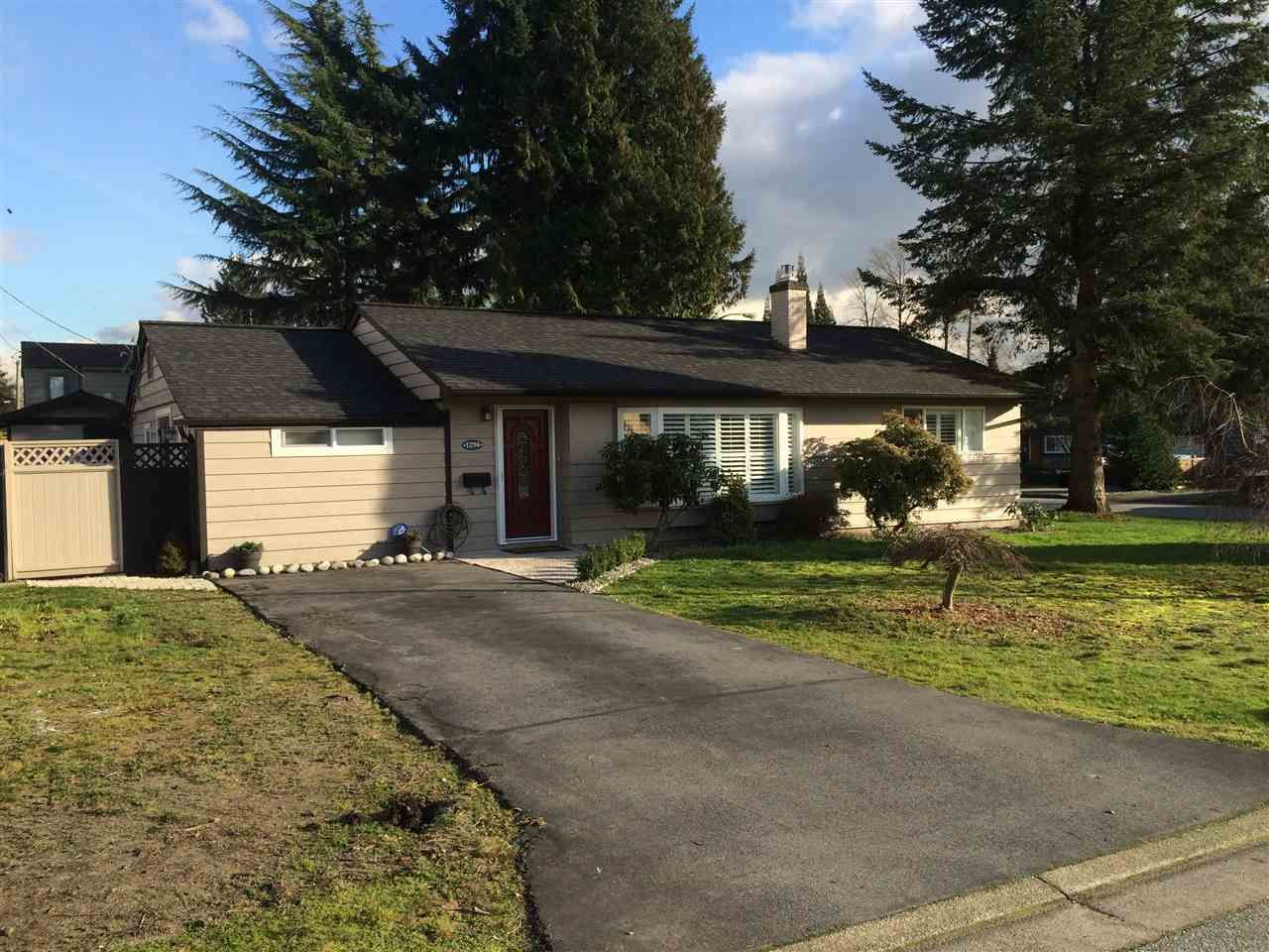 """Main Photo: 1294 DOGWOOD Crescent in North Vancouver: Norgate House for sale in """"NORGATE"""" : MLS®# R2030110"""