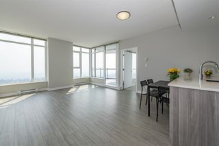 """Photo 3: 3801 4900 LENNOX Lane in Burnaby: Metrotown Condo for sale in """"THE PARK"""" (Burnaby South)  : MLS®# R2609917"""