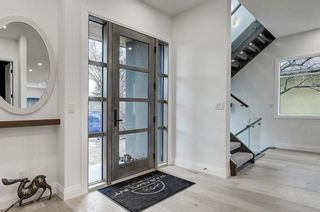 Photo 2: 2044 43 Avenue SW in Calgary: Altadore Detached for sale : MLS®# A1090100