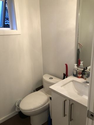 """Photo 4: 981 W 70TH Avenue in Vancouver: Marpole Townhouse for sale in """"Shaughnessy Gate"""" (Vancouver West)  : MLS®# R2516271"""