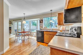 """Photo 15: 1887 AMBLE GREENE Drive in Surrey: Crescent Bch Ocean Pk. House for sale in """"Amble Greene"""" (South Surrey White Rock)  : MLS®# R2542872"""