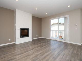 Photo 2: 14 3356 Whittier Ave in : SW Rudd Park Row/Townhouse for sale (Saanich West)  : MLS®# 866436