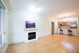 """Photo 5: 208 14 E ROYAL Avenue in New Westminster: Fraserview NW Condo for sale in """"VICTORIA HILL"""" : MLS®# R2244673"""