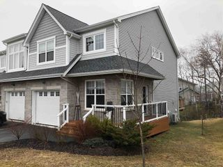 Photo 1: 60 Hazelton Hill in Bedford: 20-Bedford Residential for sale (Halifax-Dartmouth)  : MLS®# 202106675