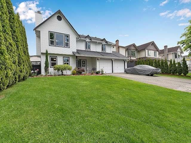 Main Photo: 6376 183A Street in Surrey: Cloverdale BC House for sale (Cloverdale)  : MLS®# R2578341