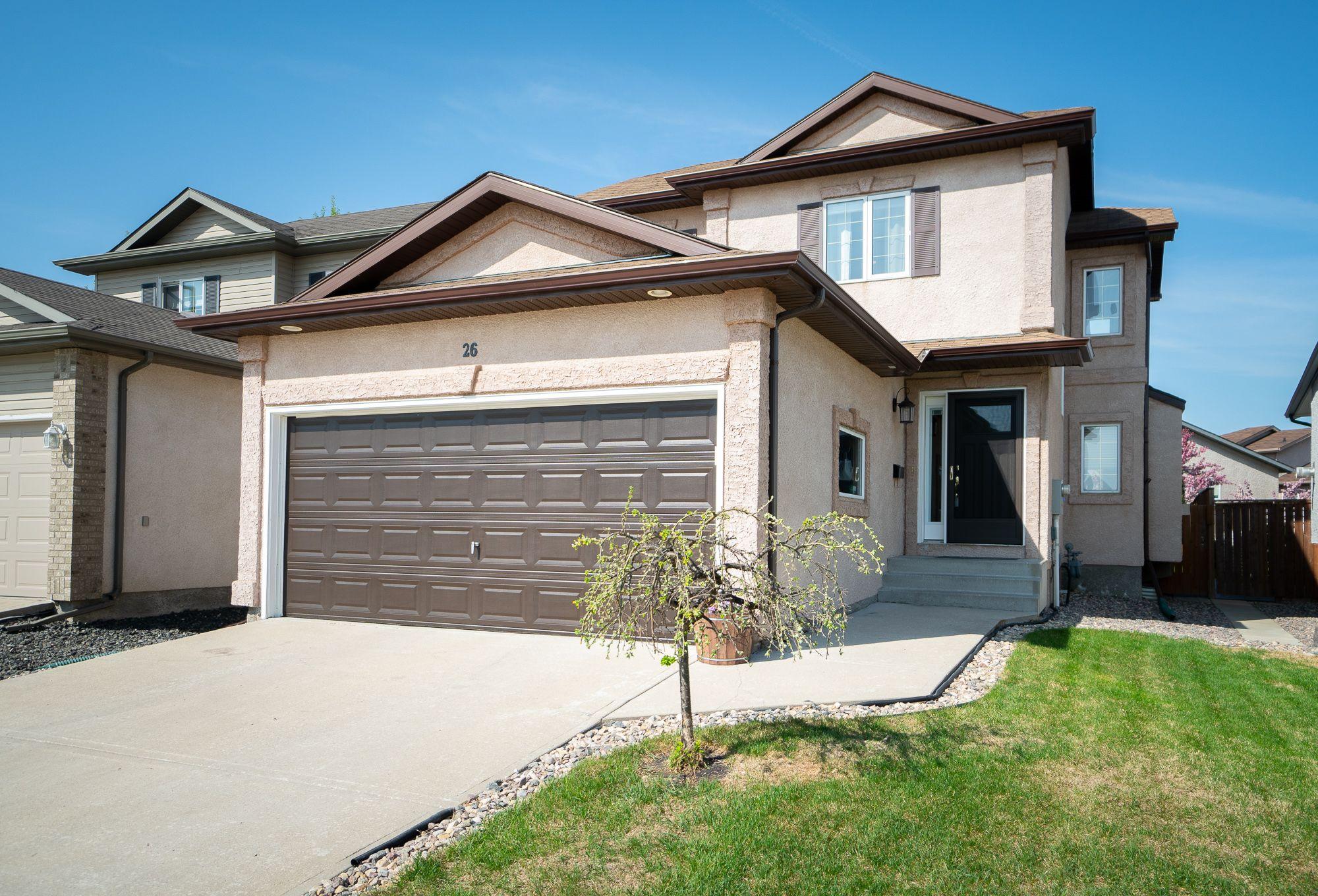 Main Photo: 26 Edmund Gale Drive in Winnipeg: Canterbury Park House for sale (3M)  : MLS®# 1813373