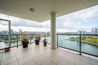 """Main Photo: 1802 1328 MARINASIDE Crescent in Vancouver: Yaletown Condo for sale in """"The Concord"""" (Vancouver West)  : MLS®# R2621083"""