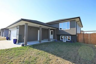 Photo 2: 698 Papillon Drive in St Adolphe: R07 Residential for sale : MLS®# 202109451