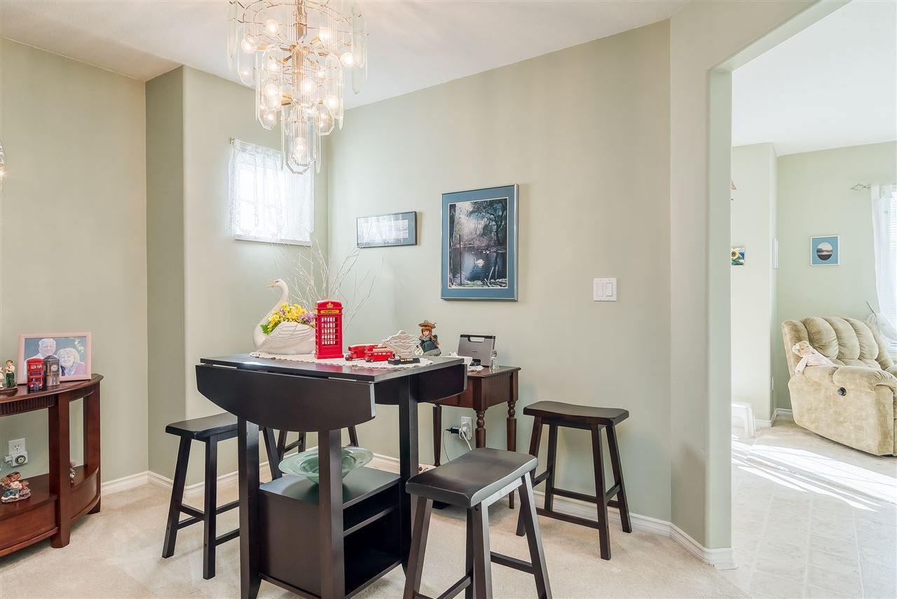 """Photo 5: Photos: 17 13499 92 Avenue in Surrey: Queen Mary Park Surrey Townhouse for sale in """"CHATHAM LANE"""" : MLS®# R2403467"""
