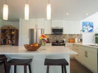 """Photo 11: 1 41488 BRENNAN Road in Squamish: Brackendale Townhouse for sale in """"Rivendale"""" : MLS®# R2485406"""