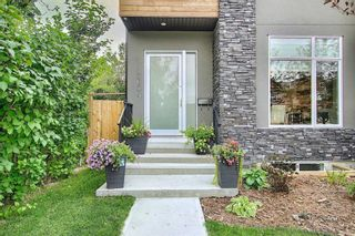 Photo 2: 3604 1 Street NW in Calgary: Highland Park Semi Detached for sale : MLS®# A1018609