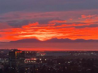 """Photo 21: 2605 8031 NUNAVUT Lane in Vancouver: Marpole Condo for sale in """"MC2 NORTH TOWER"""" (Vancouver West)  : MLS®# R2592722"""
