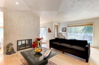 Photo 9: 2 LAURIER Place in Edmonton: Zone 10 House for sale : MLS®# E4226761
