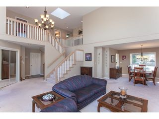 """Photo 5: 10635 CHESTNUT Place in Surrey: Fraser Heights House for sale in """"Glenwood"""" (North Surrey)  : MLS®# R2338110"""