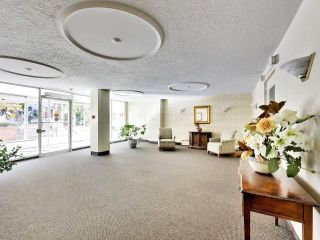 Photo 3: 410 158 Crescent Road in Toronto: Rosedale-Moore Park Condo for sale (Toronto C09)  : MLS®# C5268723