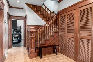 Photo 3: 1147 SEMLIN Drive in Vancouver: Grandview VE House for sale (Vancouver East)  : MLS®# R2079437