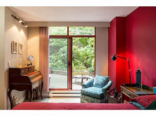 """Photo 9: 404 130 E 2ND Street in North Vancouver: Lower Lonsdale Condo for sale in """"THE OLYMPIC"""" : MLS®# V1134065"""