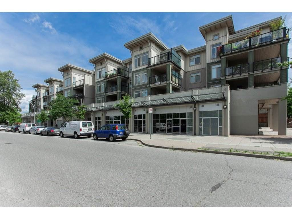 "Main Photo: 417 10180 153 Street in Surrey: Guildford Condo for sale in ""Charlton Park"" (North Surrey)  : MLS®# R2258369"