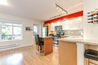 """Photo 7: 8 19448 68 Avenue in Surrey: Clayton Townhouse for sale in """"Nuovo"""" (Cloverdale)  : MLS®# R2368911"""