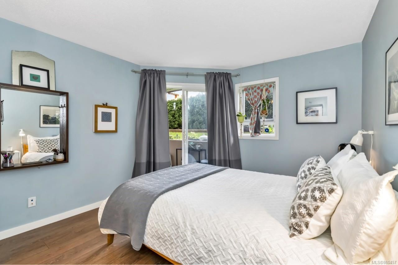 Photo 17: Photos: 105 2529 Wark St in : Vi Hillside Condo for sale (Victoria)  : MLS®# 860457