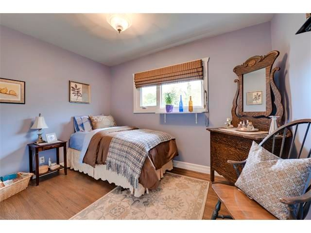 Photo 11: Photos: 5919 THORNTON Road NW in Calgary: Thorncliffe House for sale : MLS®# C4015197